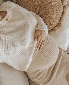7 pregnancy symptoms nobody talks about! - Gazellemag Pregnancy is . - 7 pregnancy symptoms nobody talks about! – Gazellemag Pregnancy is in the collective imagination - Cute Maternity Outfits, Stylish Maternity, Pregnancy Outfits, Maternity Pictures, Maternity Fashion, Pregnancy Photos, Pregnancy Tips, Pregnancy Style, Early Pregnancy