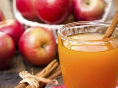 Unlike traditional apple cider, you don't need to heat on the stove. Blend this non-alcoholic cider for several minutes with a power blender to make it hot! Hot Apple Cider, Non Alcoholic, Loose Weight, Hot Coffee, Agar, Blenders, Hot Chocolate, Jelly, Crisp