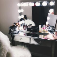 54 Likes 8 Comments Vanity Room, Vanity Desk, Diy Makeup Vanity, Makeup Vanities, Studio Apartment Decorating, Glam Room, Pink Room, Beauty Room, Makeup Organization