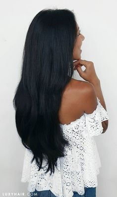 Clip-in hair extensions give you STUNNING length and volume without having to wait for your hair to grow ;) This is the 220g Off Black Luxy Hair extensions set in the photo xoxo