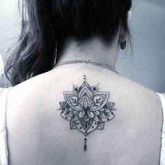Joao caldara: Trabalho!. Flor de lotus com pontilhismo. . #tattoocaldara #tattoo #inspirationtattoo #tatuagem ...