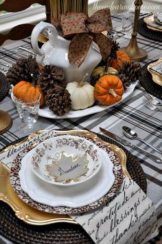 An elegant Thanksgiving table setting