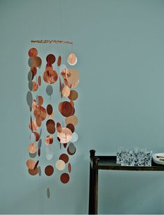 Diy idee der woche: Bling-bling-turbulenzen & Femina The post Diy Idee der Woche: Bling-bling Turbulenzen appeared first on Bestes Soziales Teilen. Wind Chimes, Diy And Crafts, Baby, Planters, Bling Bling, Outdoor Decor, Design, Home Decor, School