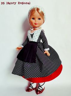 Nancy Doll, Virginia, Diy And Crafts, Flower Girl Dresses, Dolls, Fashion, Baby Dolls, Sewing Machine Projects, Dress Up Dolls