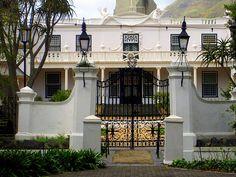 Front Gates, Entrance Gates, Gate Post, Cape Dutch, Farm Gate, Boundary Walls, Dutch House, Dutch East Indies, French Country Decorating