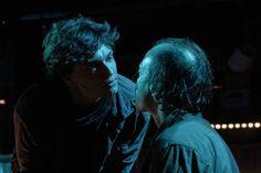 """O Teatro da Vertigem invade os galpões da Vila Itororó, na Bela Vista, para realizar mais uma temporada do espetáculo """"O Filho"""", livremente inspirado na obra """"Carta ao Pai"""", de Franz Kafka."""