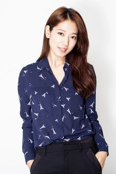 'The Heirs' Star Park Shin Hye Becomes 1st Korean Actress To Gain 7 Million Followers On Chinas Social Networking Service Weibo http://www.kpopstarz.com/articles/145987/20141203/the-heirs-star-park-shin-hye-becomes-1st-korean-actress-to-gain-7-million-followers-on-china-s-social-networking-service-weibo.htm