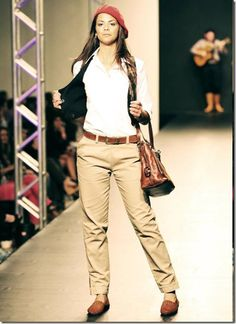 Moda Rural, Countryside Fashion, Boutique, Ideias Fashion, Khaki Pants, Womens Fashion, Rio Grande, Farm House, Outfits