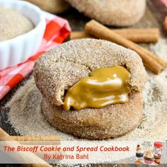 Biscoff Stuffed Snickerdoodles - traditional snickerdoodle cookies filled with delicious Biscoff cookie spread! Cinnamon Sugar Cookies, Biscoff Cookies, Galletas Cookies, Bar Cookies, Biscoff Recipes, Baking Recipes, Cookie Recipes, Cookie Ideas, Baking Ideas