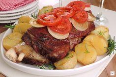 Costela assada com batata e tomate