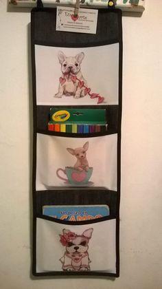 Organizador tres bolsillos para colgar. Encontralos en Enamorarte artesanías con diseño- https://www.facebook.com/enamorartecreacionesdecoupage