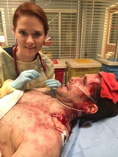 "Sarah Drew and Matthew Morrison behind the scenes of Grey's Anatomy 14x09 ""1-800-799-7233"" #suzypeppersrevenge"