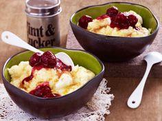 Unser beliebtes Rezept für Omas Vanillegrießbrei mit heißen Rumkirschen und mehr als 55.000 weitere kostenlose Rezepte auf LECKER.de.