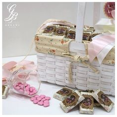 Would you like to share this magnificent basket #chocolate arrangement?  #Oldies #Chic #Elegant #Covered #Decorated #Chocolate  #BassamGhrawiConfectionery  #Lebanon #Kfarchima #Beirut