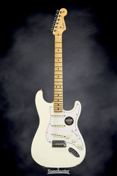 Fender American Standard Stratocaster - Olympic White, Maple