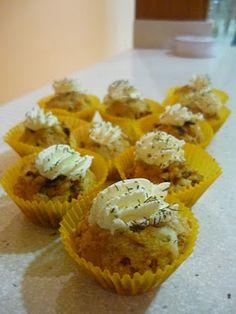 Cupcakes salados de queso y cebollahttp://www.cazarecetas.com/receta-Cupcakes-Salados-_343.php