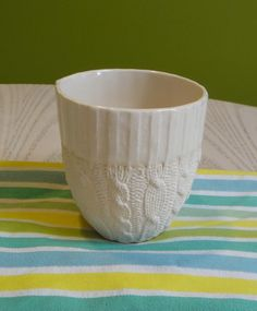 Cable knit ceramic cup