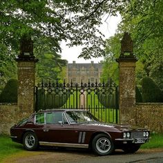 Jensen FF Stunning hand made British car and one of the firsts to use 4 wheel drive, the Ferguson Formula British Sports Cars, Classic Sports Cars, Classic Cars, British Car, Jensen Interceptor, Classic Motors, Car In The World, Dream Garage, Sport Cars