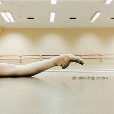 @sanchez_sh_ballet via @balletofrepertoire Go follow @balletofrepertoire! They have such a beautiful account