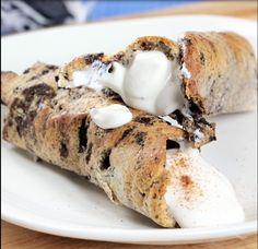 Recipe by Kimberly H.  MAKES TWO CANNOLI The crust: One Cookies & Cream Quest Bar. Place into the microwave for seven seconds. Cut it into two pieces and flatten each piece into a square and cut…