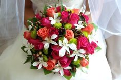 It's easier to talk with your florist about wedding flowers when you're familiar with the basic terminology for bridal bouquets. Bride Flowers, Wedding Flowers, Wedding Images, Bridal Bouquets, Table Decorations, Elegant, Florals, Language, Home Decor