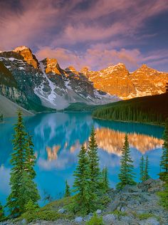 ✯ Moraine Lake - Banff, Canada. Can't wait to go!