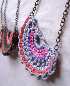 Vi ricordate la collana messa in palio un mesetto fa? Diciamo che ci ho preso gusto…   Ecco alcuni risultati.   Do you remember the necklace...