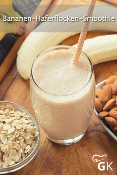 This simple banana oatmeal smoothie provides our body with important . - This simple banana-oatmeal smoothie provides our body with important nutrients and also tastes real - Banana Oatmeal Smoothie, Banana Oats, Smoothie Bowl, Smoothie Recipes, Sin Gluten, Breakfast Bars, Breakfast Recipes, Bad Carbohydrates, Healthy Breakfast Smoothies