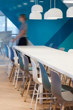 VOID interieurarchitectuur designed the offices of computer consultant LINKIT, located in Utrecht, Netherlands. Commissioned by IT sourcing company Commercial Interior Design, Office Interior Design, Commercial Interiors, Cafeteria Design, Cafeteria Table, Utrecht, Corporate Interiors, Office Interiors, Dining Area Design