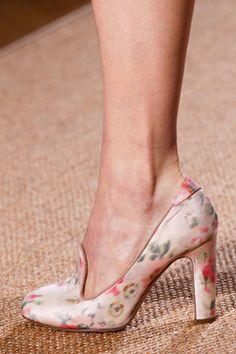 Valentino Spring 2012 Couture Collection on Style.com: Detail Shots
