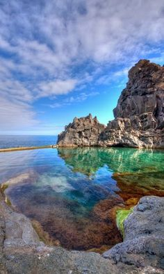 #Doca_Do_Cavacas - #Madeira in #Portugal http://en.directrooms.com/hotels/subregion/2-37-609/ known as #Lava_Pool or #Natural_Pools