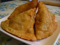 Samosas recipe. Samosas are the most popular tea time snack. They are very handy to have around and delicious to eat. Try this easy recipe and have this yummy snack on your table right away. Posted by Mariam.