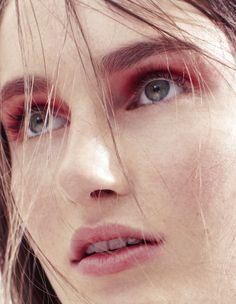 Mackenzie+Drazan+by+Mel+Bles+(Sound+&+Vision+-+Bon+#22+Fall+2012)+4.jpg (1241×1600)