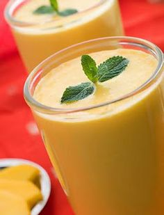 Mango Mint Cucumber Smoothie