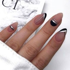 Get Started With Innovative Nail Art Designs Very cute pink gray and black nail art Minimalist Nails, Minimalist Fashion, Cute Nails, Pretty Nails, Gel Nails, Nail Polish, Manicures, Acrylic Nails, Nail Manicure