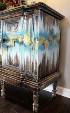 Ideas Vintage Painted Furniture Diy Home Decor Distressed Furniture, Funky Furniture, Refurbished Furniture, Paint Furniture, Repurposed Furniture, Furniture Projects, Furniture Makeover, Antique Furniture, Furniture Design