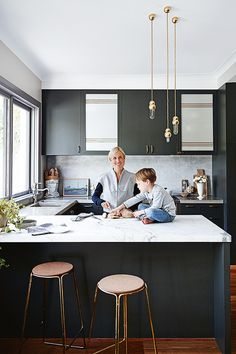 Take a tour of Sydney Home of stylist and interior designer Claire Delmar where she lives with her son and husband. The beautifully cozy home was renovated by Claire in only a month, discover more of the house photographed by Anton Smart. Home Interior, Kitchen Interior, Modern Interior, Interior Design, Black Kitchens, Cool Kitchens, Small Kitchens, Dream Kitchens, Best Kitchen Designs