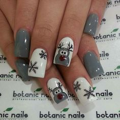 Awesome reindeer nails for the holidays