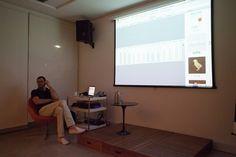 """Cadu apresenta a palestra """"Lunário"""" no Pólo de Pensamento Contemporâneo (POP)."""