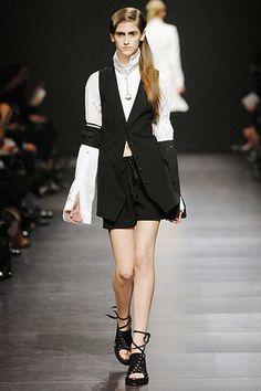 Ann Demeulemeester Spring 2008 Ready-to-Wear Fashion Show - Daiane Conterato (Elite)
