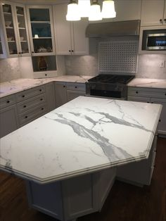 Granite Kitchen, Marble Countertops, Kitchen Island, Kitchen Ideas, Home Decor, Island Kitchen, Marble Counters, Decoration Home, Room Decor