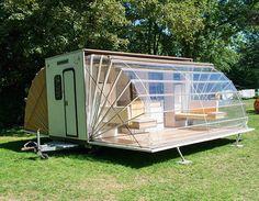 De lext�rieur cette caravane au look original ne paye pas de mine et pourtant Sympa le concept