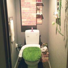 窓のないトイレ/トイレにも春を/芝生のトイレマット/引きすぎてよくわかりませんが…/バス/トイレ…などのインテリア実例 - 2016-03-12 15:08:43 | RoomClip(ルームクリップ)