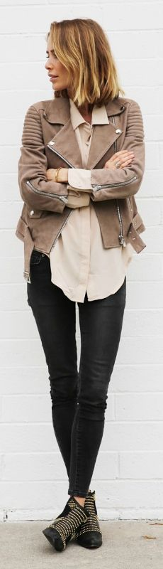 Try matching the-ever-favourite black skinnies with a beige leather jacket! Via Anine Bing  Jeans: Anine Bing, Shoes: Anine Bing, Shirt: Anine Bing, Jacket: Anine Bing