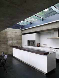 want!!!!! love natural light in a kitchen