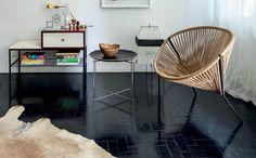 Pintura pode ser uma boa alternativa para o antigo piso de taco (Foto: Reprodução/Frenchy Fancy)
