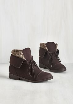 Flair for Layers Boot. Your affinity for cozy-chic pieces comes full circle when you nab these chocolate brown Madden Girl boots! #brown #modcloth