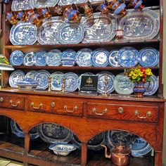 George III oak Welsh Potboard Dresser and shelves.