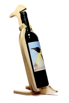 animals-bone-wine-bottle-holders-2.jpg (960×1443)