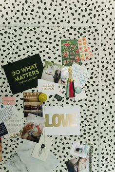 DIY Wallpapered Inspiration Board (with Thibaut Tanzania Wallpaper) Book Projects, Diy Projects, Collages, Arts And Crafts, Diy Crafts, Decor Crafts, Diy Wallpaper, Inspirational Wallpapers, Branding